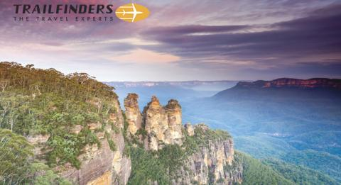 Sun sets over the Three Sisters, Katoomba in the Blue Mountains